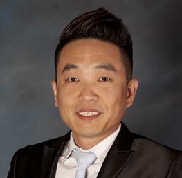 Kee Kang, anfitrión del casino en el Cache Creek Casino Resort